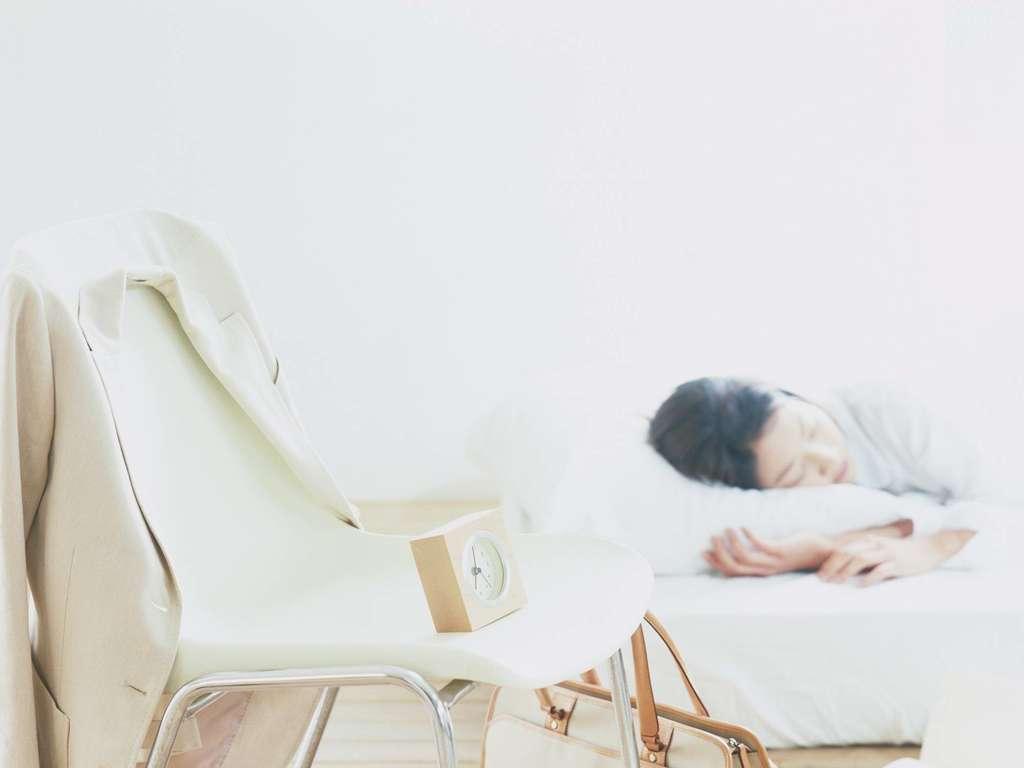 职业女性早晨生活起床上班工作白领