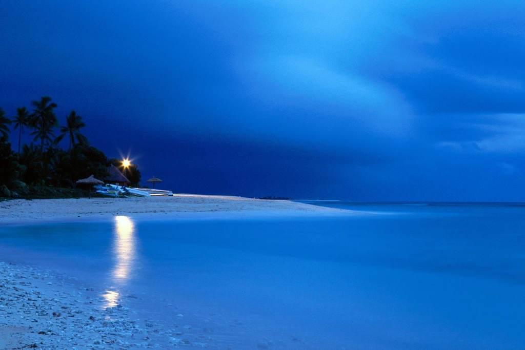 清新海边风景海边景色沙滩阳光海岛风景天空白云