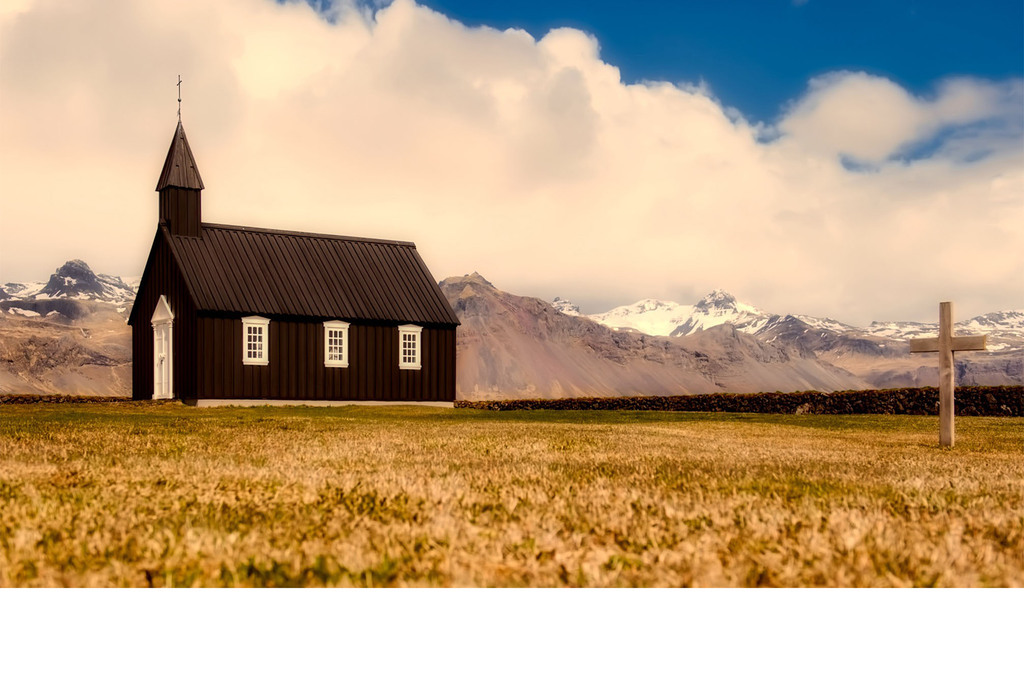荷兰教堂十字架白云
