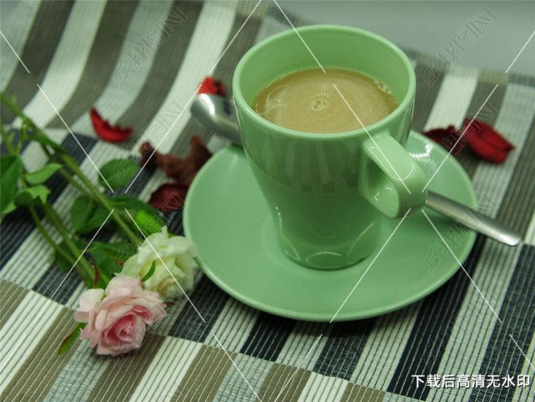花与一杯咖啡