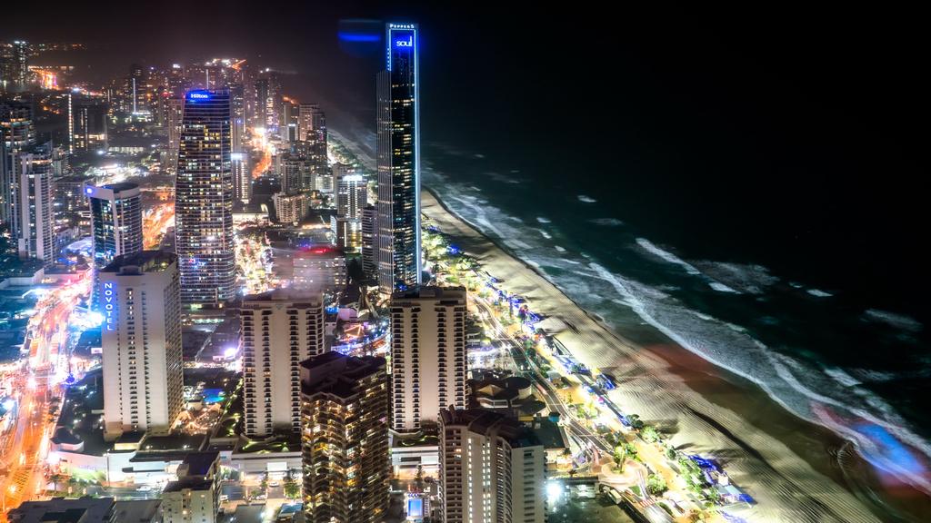 俯瞰城市海滩全景夜景4k高清延时摄影素材图片设计 模板下载 639.01MB 城市全景大全图片